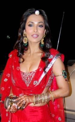 Diamond Chandelier Earrings | Bollywood Style