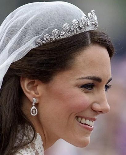 Kate-Middleton-Wedding-Earrings_2