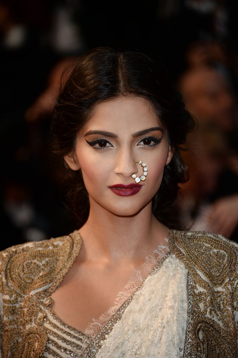 Sonam-Kapoor-for-Loreal-Paris-at-Cannes